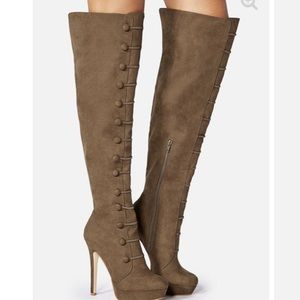 Mikea heeled boots (color Olive size 7wide calf)